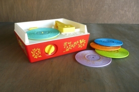 70b-toys-preschool-record-player